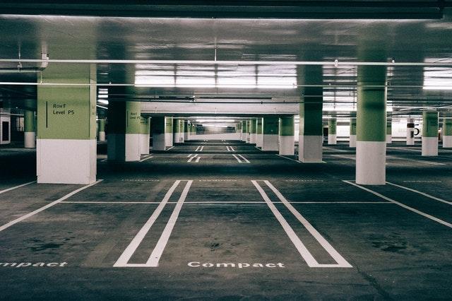 Estacionamientos - Hay 2 estacionamientos cerca del auditorio:*27th. St Garage109 W. 27th St., Austin, TX, 78705*Speedway Garage105 E 27th St, Austin, TX 78705*El estacionamiento tiene un costo y es responsabilidad de los asistentes a la Conferencia.