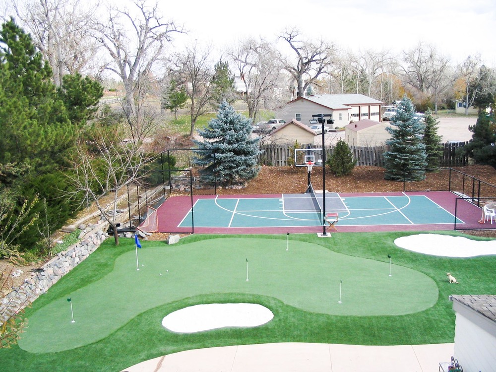 Synthetic putting green with Sport Court