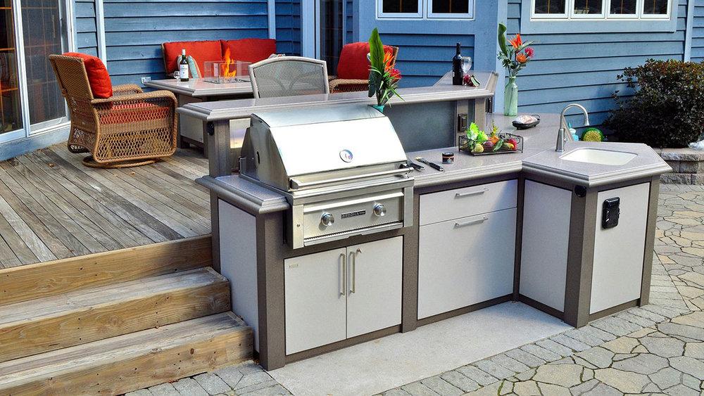 Sunset Bay - Custom Heritage Outdoor Kitchen