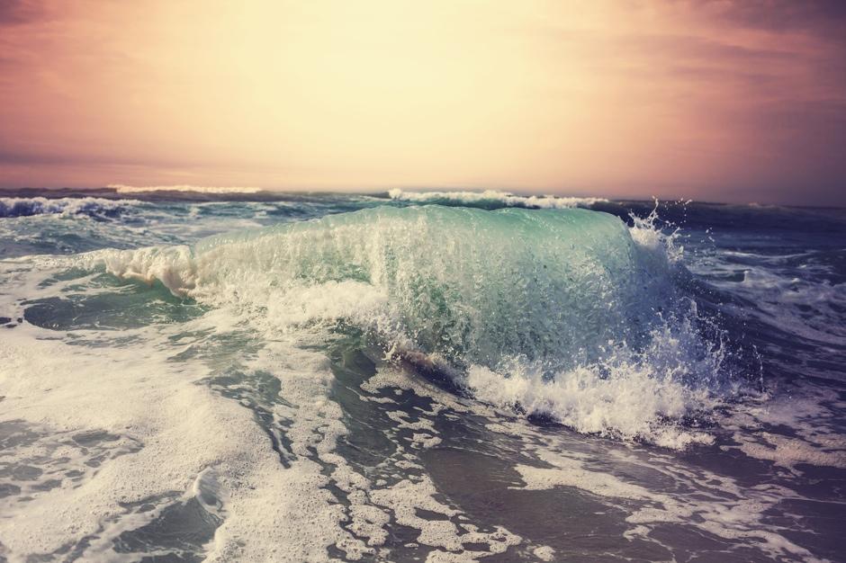 Wave© Galyna Andrushko