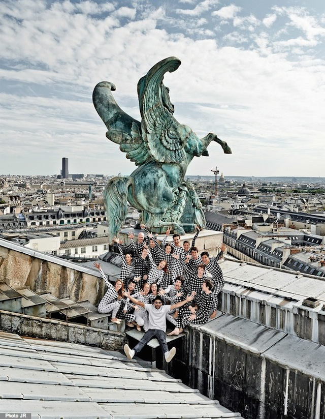 Rooftop-Dancers-in-Paris-by-JR-11