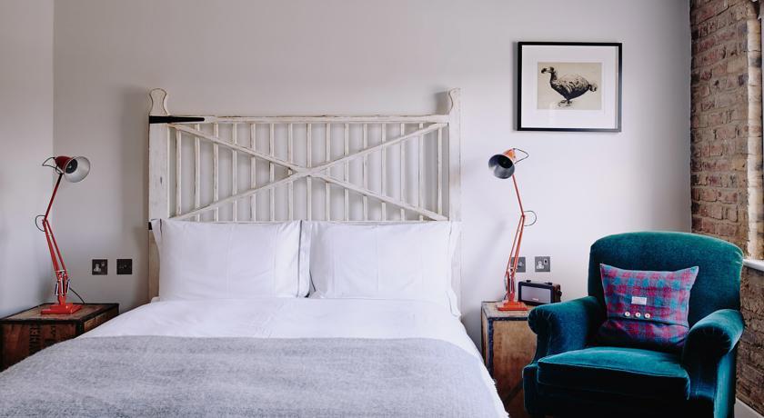 artist-residence-london2