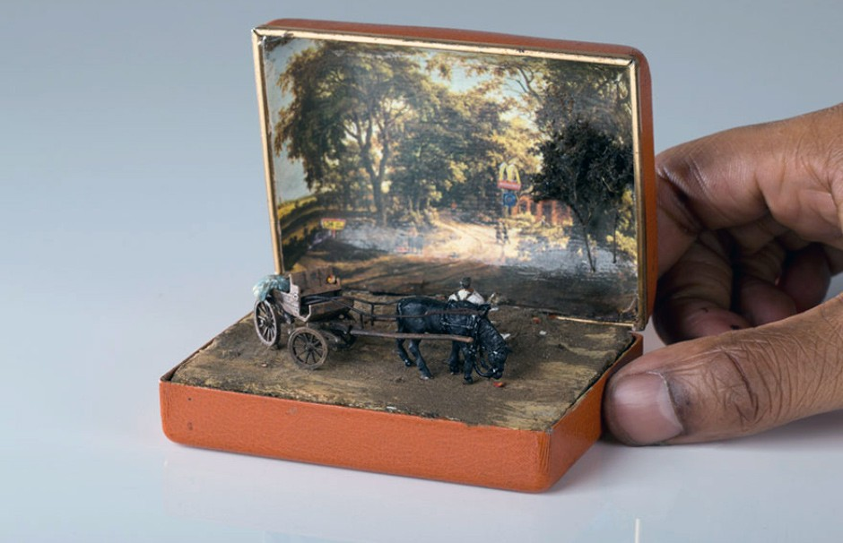 antique-ring-box-mini-diorama-talwst-0