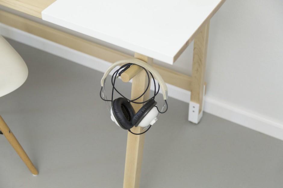 artifox-desk-bikerack3