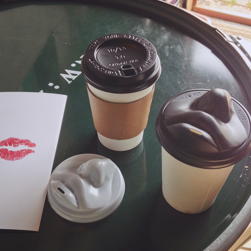 2coffee-lid-kiss1