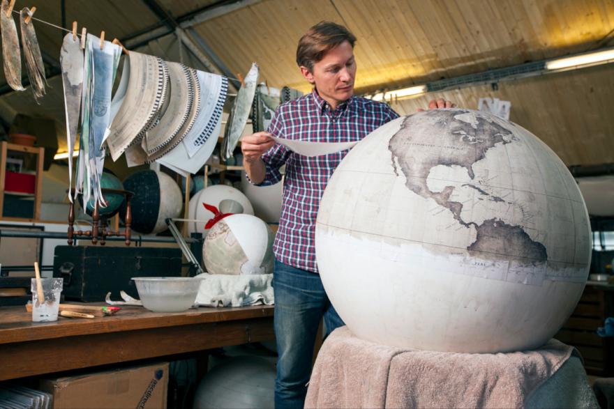 handmade-globe-studio2