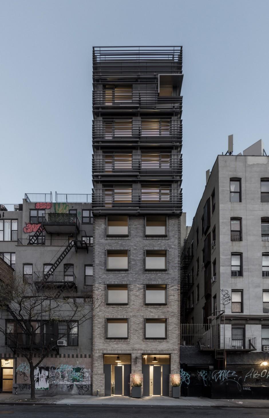 grzywinski-pons-nyc-narrow-house91