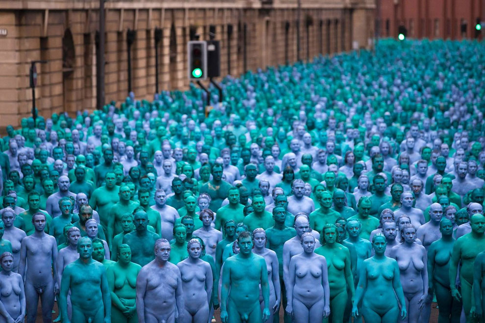 spencer-tunick-blue8.jpg