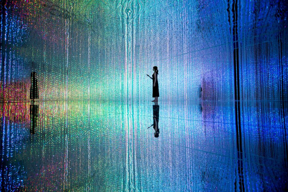 crystal-universe2.jpeg