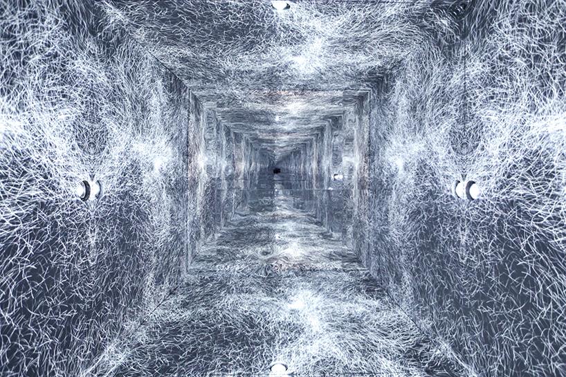 refik-anadol-infinity-room-sxsw-02.jpg