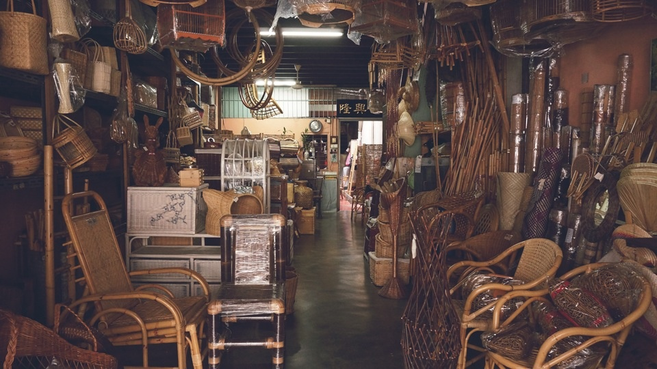 Sim Chew Poh , rattan weaving in Malaysia. Courtesy of VAWAA.