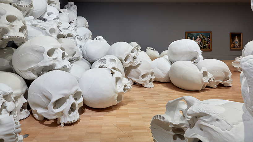 ron-mueck-mass-08.jpg