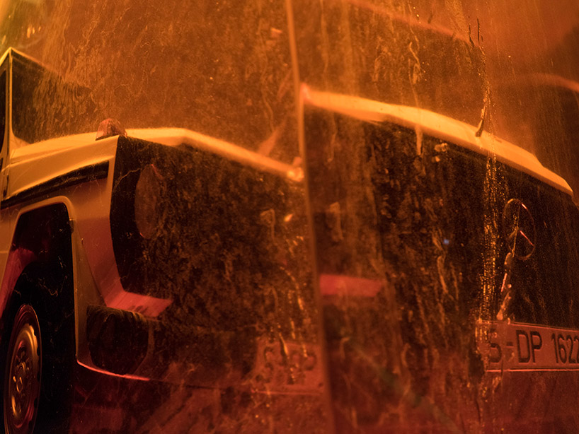mercedes-bez-g-class-installation-amber-naias-2018-designboom-003.jpg