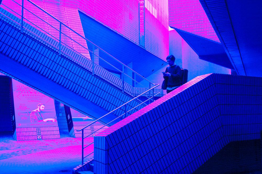 busygina-neon1.jpg