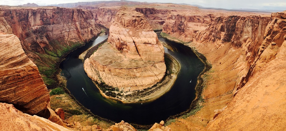 horseshoe-bend-768789_1920.jpg