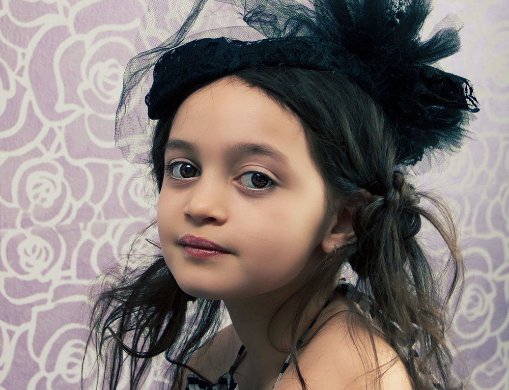 Little girl vintage hat NYC photos.jpg