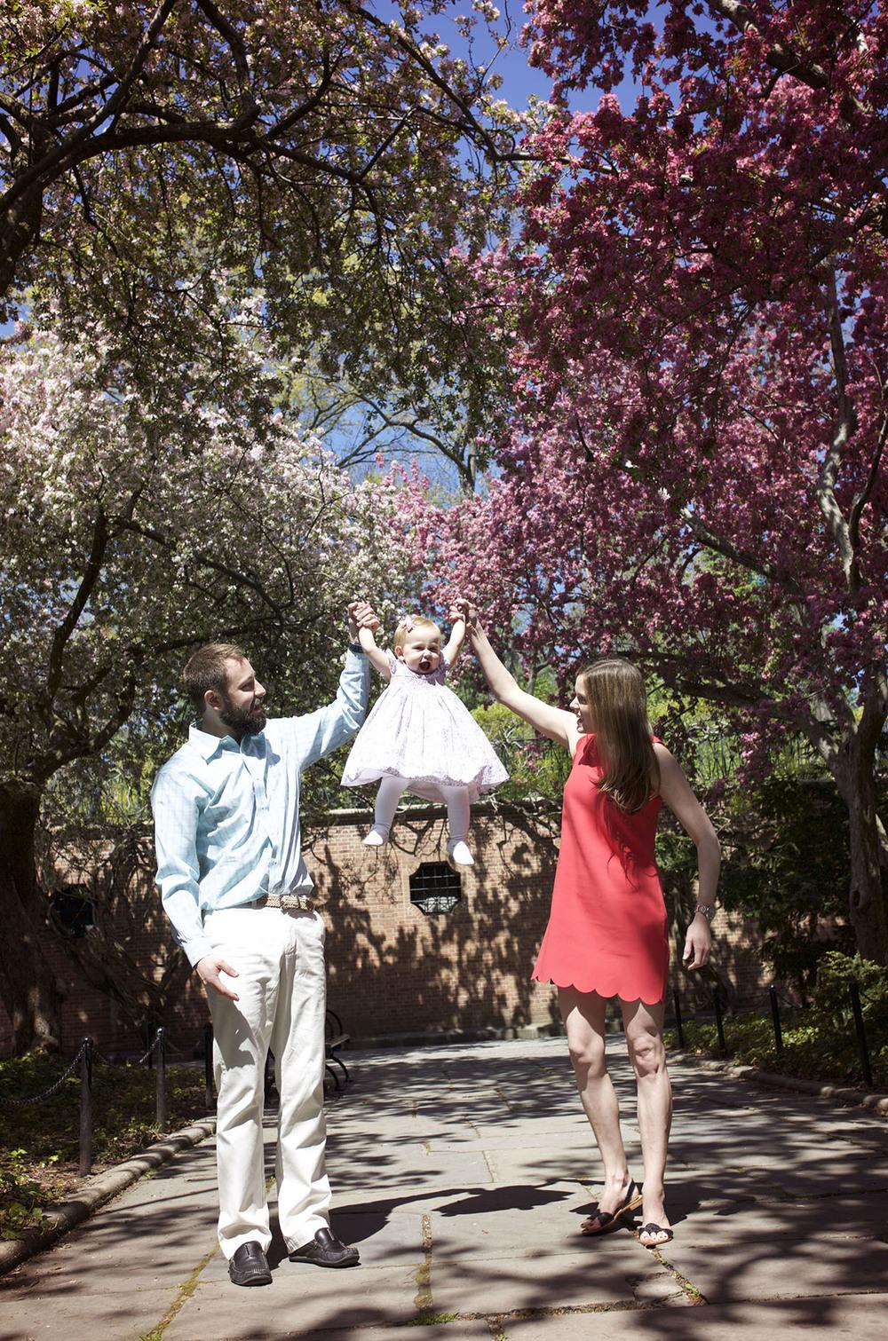 Cherry blossom family photographer.jpg