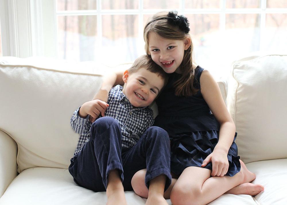 Christmas card siblings photo shoot in home New Canaan.jpg