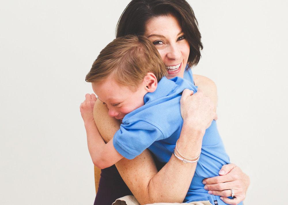 _Mother son hug family photo shoot Stamford CT.jpg