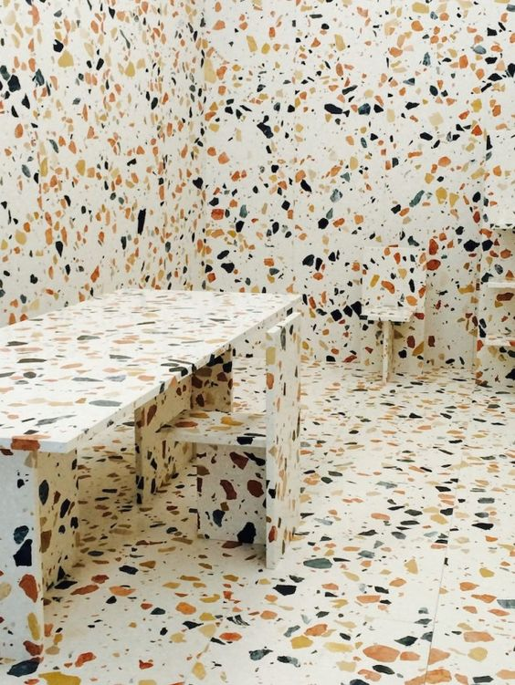 Max Lamb - Marmoreal, 2013-14 Marbre, résine polyester, moulage camouflage, incrusté