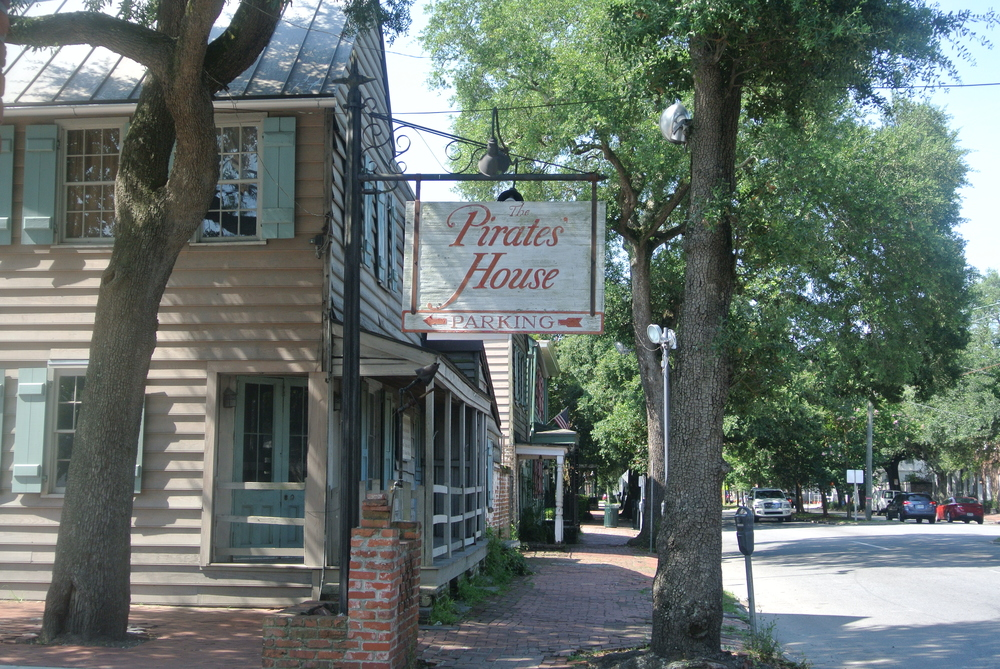 This was one of my favorite restaurants when I went to Savannah in 8th grade. Sadly, I couldn't get my parents to come with me, even with the promise of actual pirates and possible treasure.
