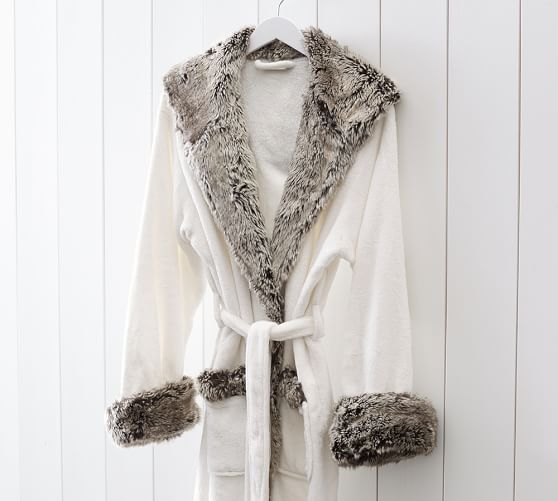 cozy-fur-robe-ivory-gray-ombre-2-c.jpg