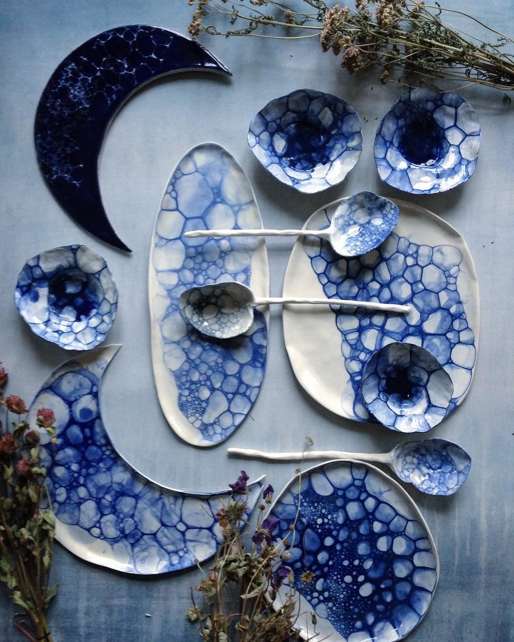 Liiiiike....majorly crushing on all these pieces made by  Meadow Ceramics ! Omg. Beautiful!
