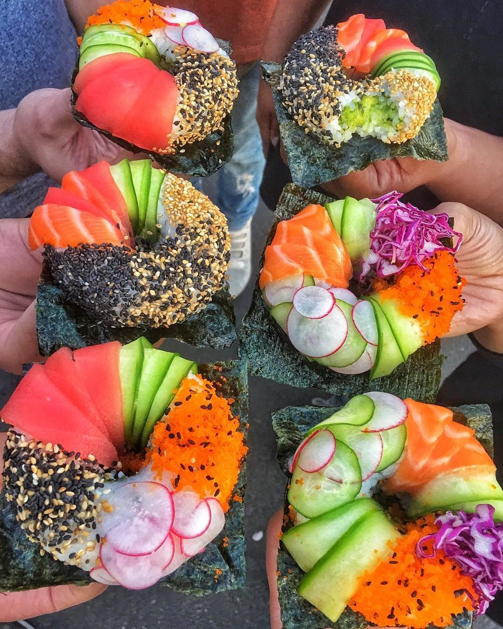 Have you ever seen anything so beautiful!??! These Sushi Donuts, yes SUSHI DONUTS from ProjectPoke just made my life!
