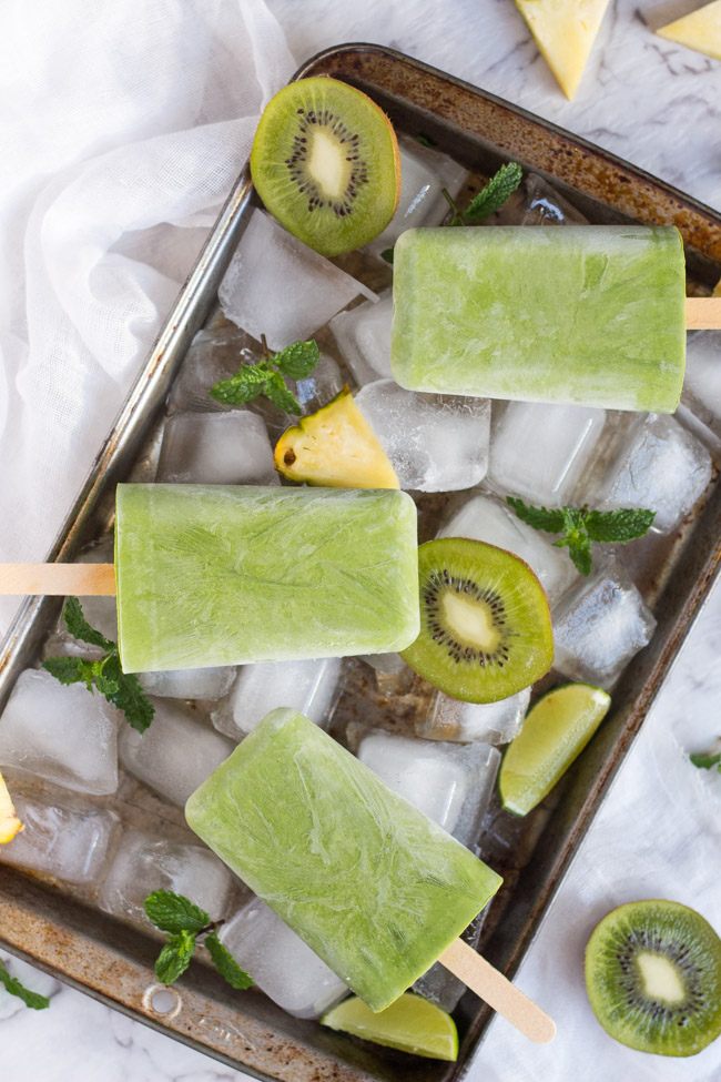 Grab-n-Go-Green-Smoothie-Popsicles-1.jpg