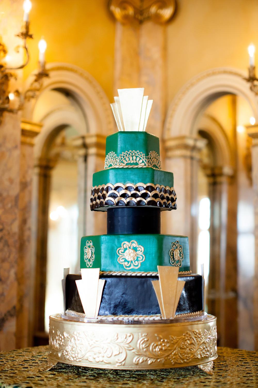 art-deco-style-wedding-cake