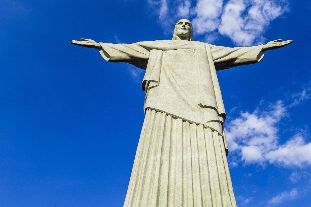 Christ_the_Redeemer_in_Rio-Desktop-Wallpapers.jpg