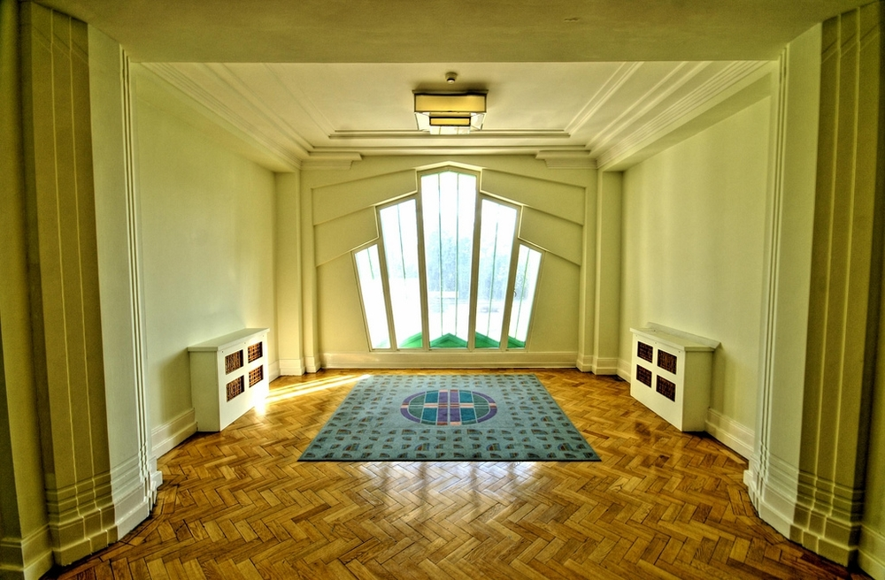 Art Deco Interior Design - Hoover Building. By Photographer Nick Garrod : art deco interior design - zebratimes.com