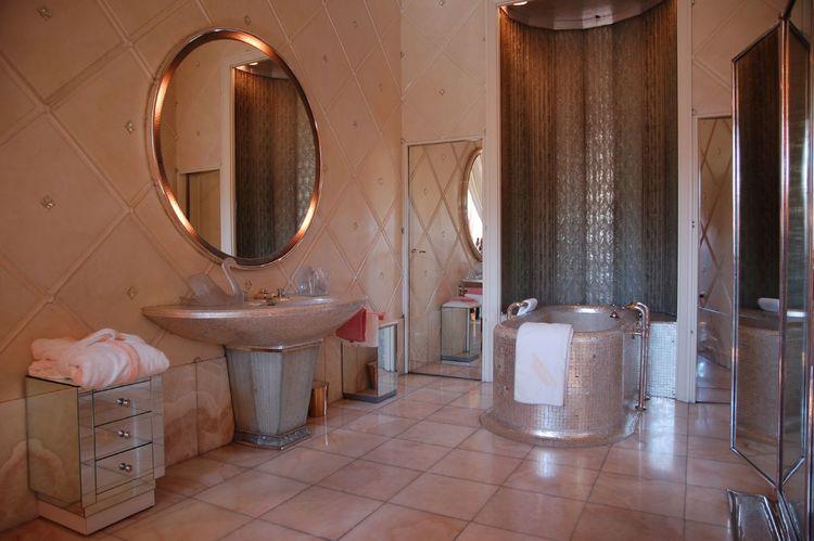 Art Deco Bathrooms — Art Deco Style