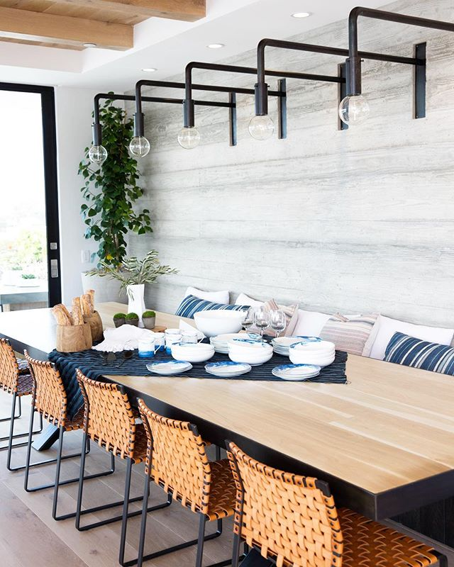 In honor of the #newportbeachhometour kicking off tomorrow -  The dreamiest dining set up 🙌 // #taylorcoleinteriors Shot for & Garden Design by @mollywoodgarden. Interior Design by @raili_ca_design & Architecture Design by @ericolsendesign