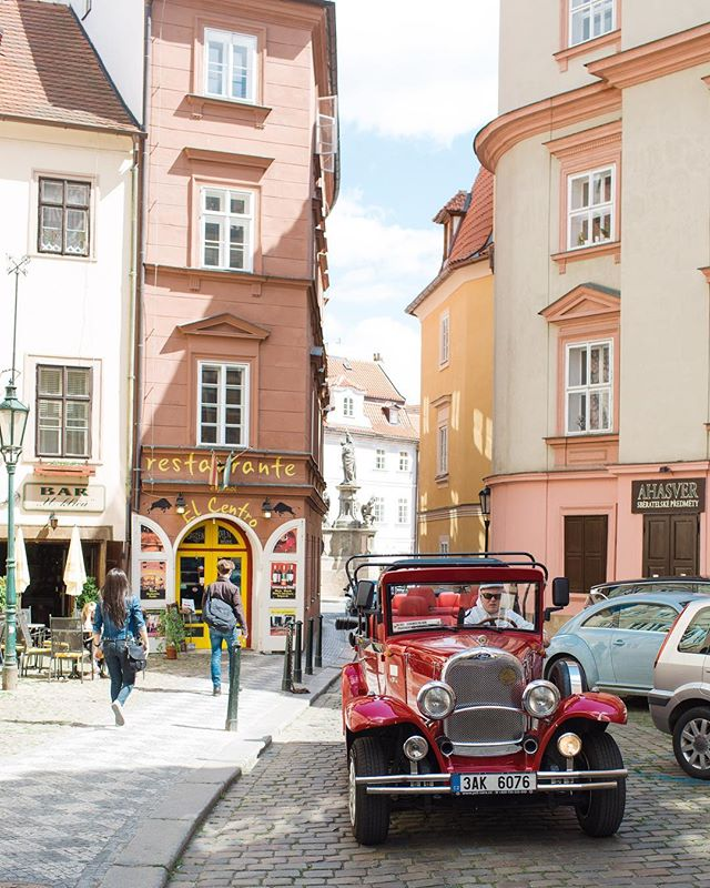 Czech this place out! Cobble stone streets are the way to my ❤️ #taylorcolephototravels #alifeofsims #visitprague #europe_vacations