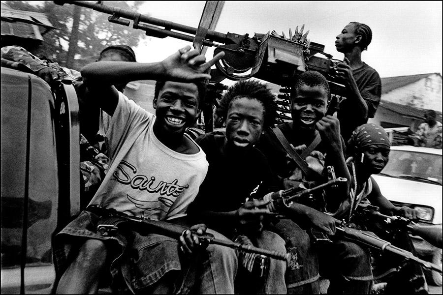 Liberia_guns_01.jpg