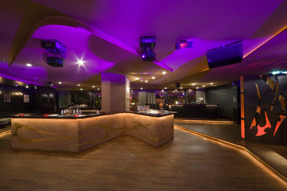 006-interior-design-hospitality-night-club-bar-pacha-muenchen-buero-philipp-moeller.jpg