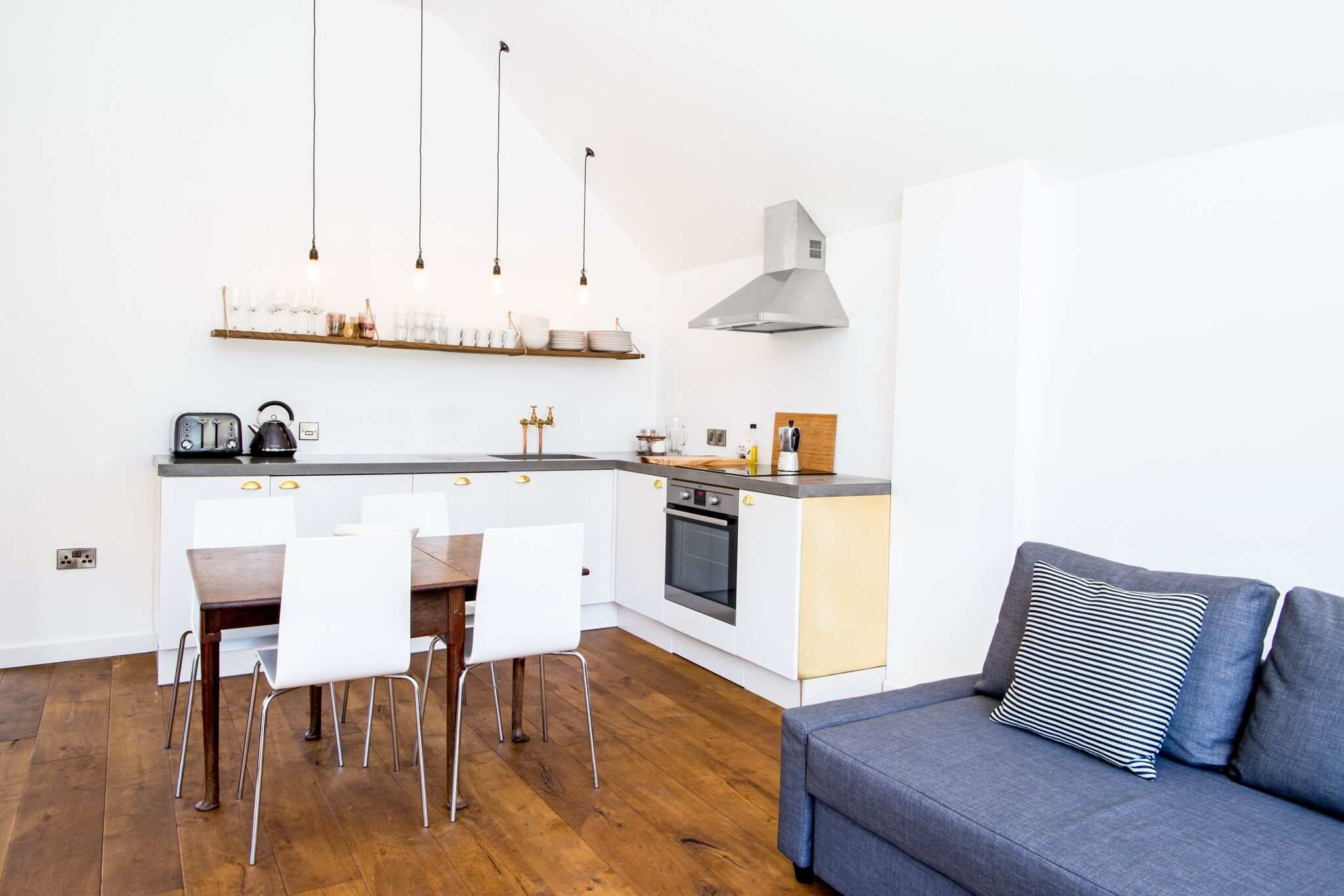 5 Hidden Benefits Of A Kitchen Seating Area