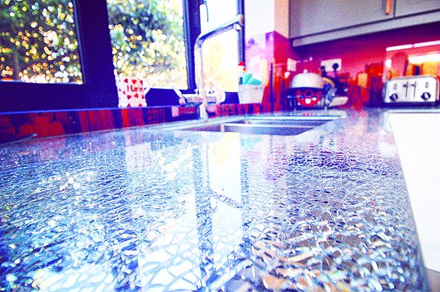 😍 The majestic broken glass counter tops found in our customer's new kitchen create stunning patterns you'd be more likely to find in an art gallery than a home improvement project 🎨🖼️ A vital part of a kitchen space that is the ideal mix of aesthetic beauty and everyday practicality 👩‍🍳👨‍🍳⠀ ⠀ @houzzuk⠀ ⠀ #opunminded #kitchen #kitchendesign #homecooking #bestoftheday #cook #beautifulhome #interiorinspo #instahome #homeinspo #homedesign #modern #classic #beautiful #design #style #inspiration #interiorlovers #homestyle #homedecor #interiorstyle #interiordecor #deco #londonhome #beautiful #cooking #chef #masterchef #art #glass
