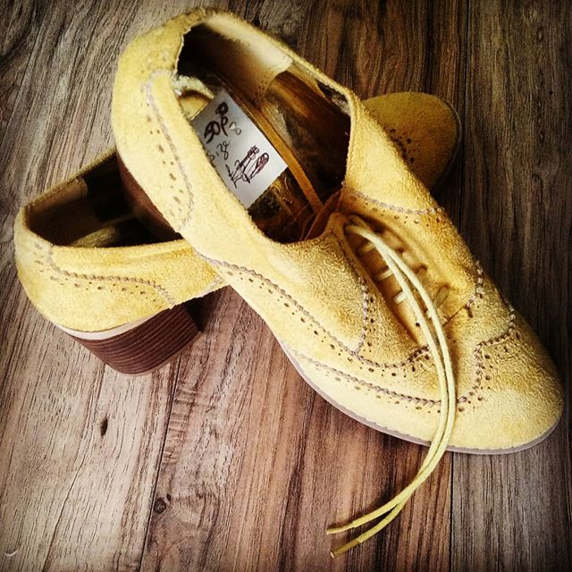 Charity shop bargain feeding into my current seventies obsession #charityshop #shoes #mustard #retro #seventies #50p