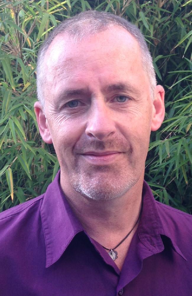 Dave Bennett Lic. Ac. MBAcC Bsc Hons (App. Biol) ARCS