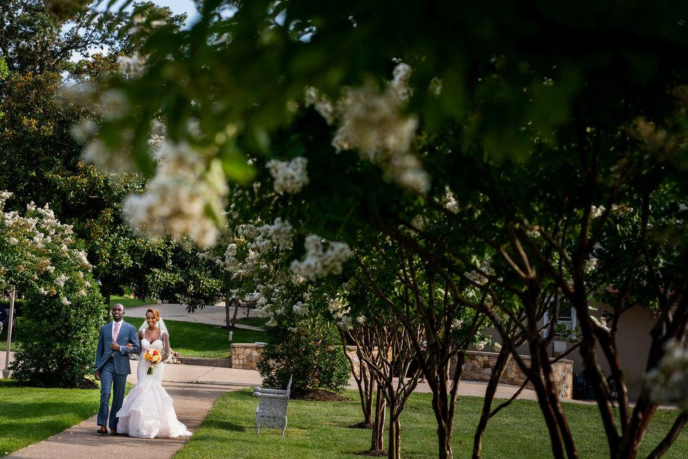 021-christopher-jason-studios-morais-vineyard-winery-virgina-wedding-african-american-bride-and-groom.jpg