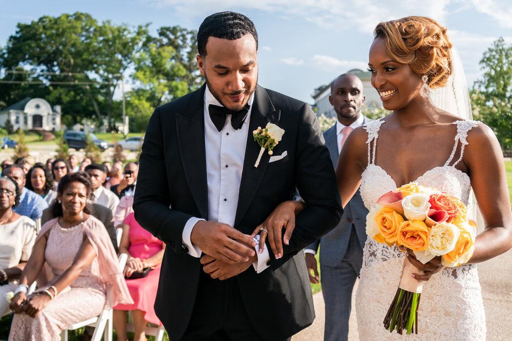 023-christopher-jason-studios-morais-vineyard-winery-virgina-wedding-african-american-bride-and-groom.jpg