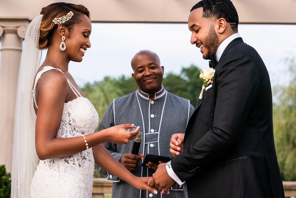 025-christopher-jason-studios-morais-vineyard-winery-virgina-wedding-african-american-bride-and-groom.jpg