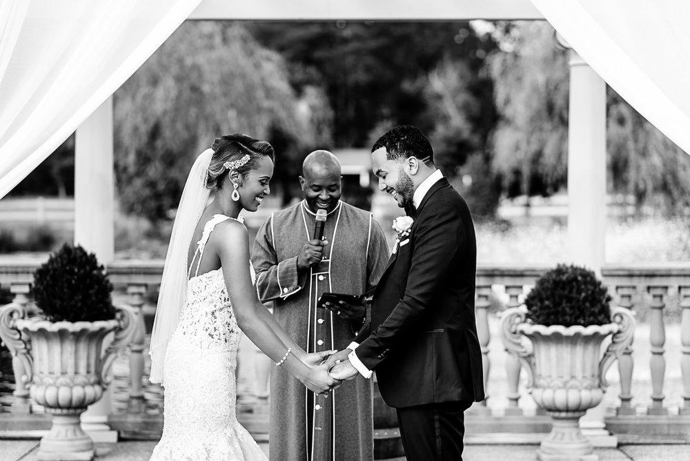 027-christopher-jason-studios-morais-vineyard-winery-virgina-wedding-african-american-bride-and-groom.jpg
