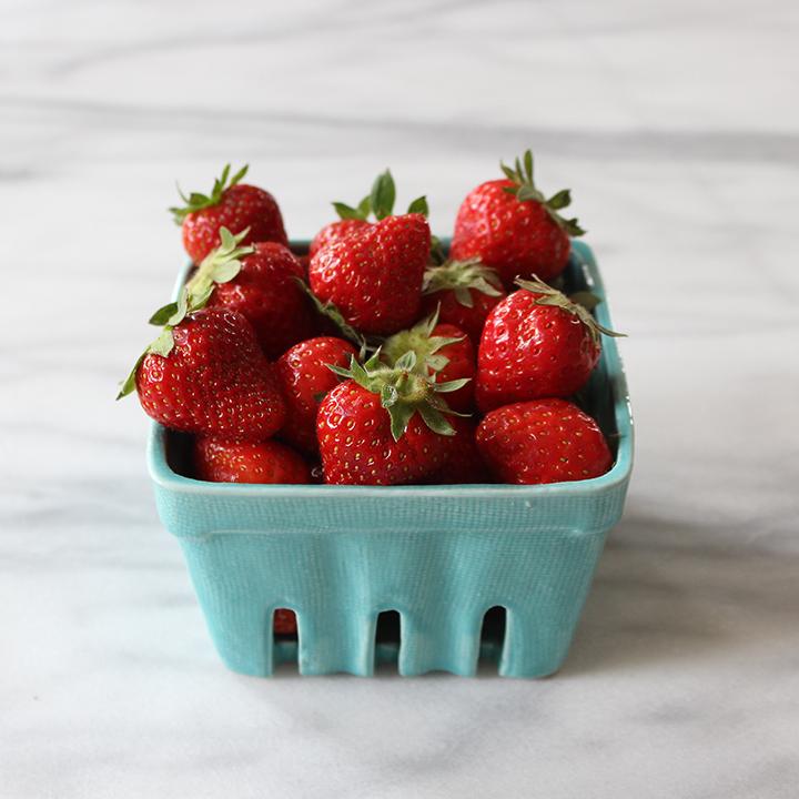 PlatedColor-StrawberryToastwithBeePollen1