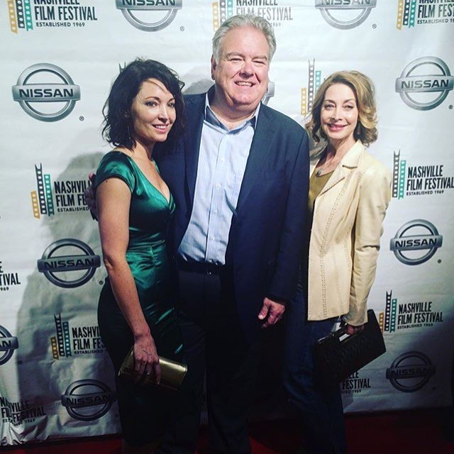Our stars are shining. Let's hear it for Avery Clyde, Jim O'Heir, and Sharon Lawrence.