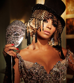 BeyonceMrsCarterVictoriaGrantcrop.jpg