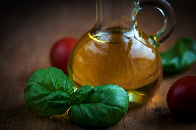 Basil - Some of the flavonoids in basil, such as oreintin and vicenin, protect blood cells from being damaged by radiation and oxidation.Basil contains many carotenoids. They are converted into vitamin A, which is an incredibly strong antioxidant that enables the body to fight off cell damage.