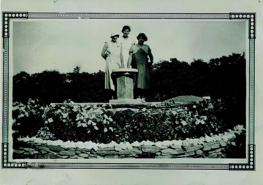 Sundial1942-3.jpg
